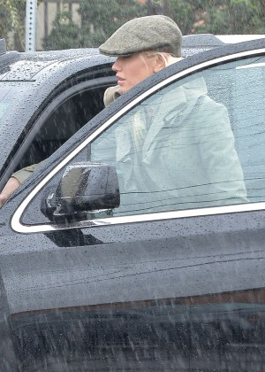 Gwen Stefani Attending Sunday Church Services in Los Angeles