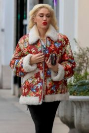 Gwen Stefani - Christmas Shopping in Beverly Hills