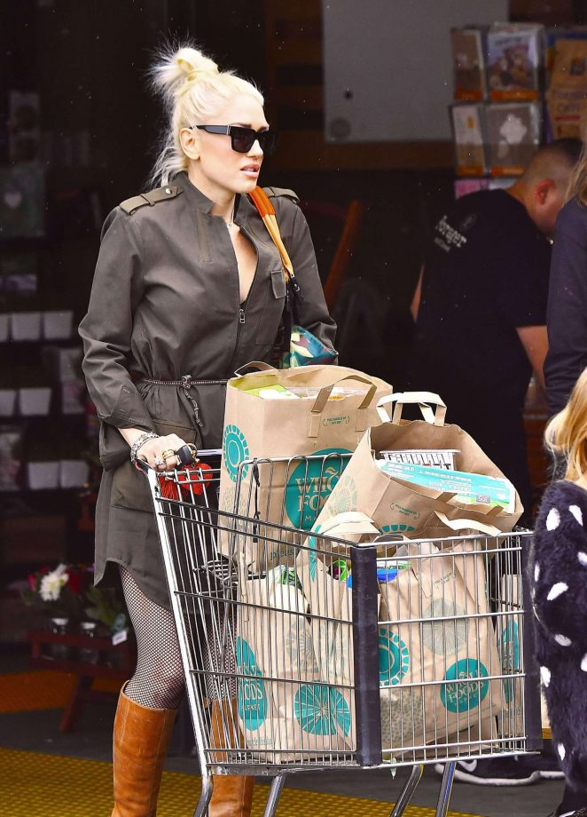 Gwen Stefani grocery shopping at Whole Foods in Los Angeles