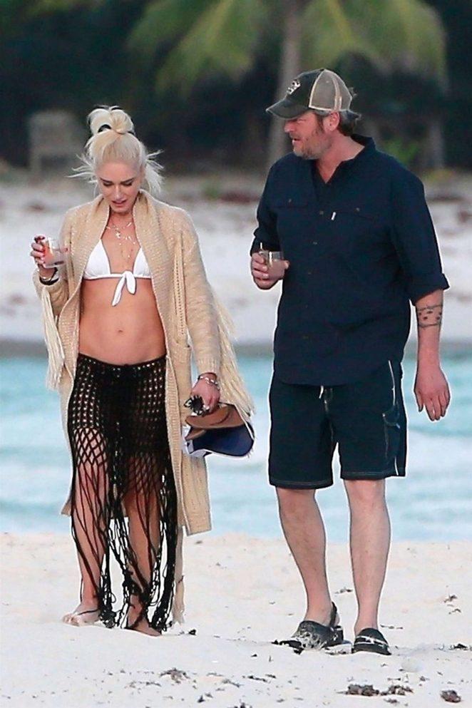 Gwen Stefani in Bikini Top in Playa del Carmen