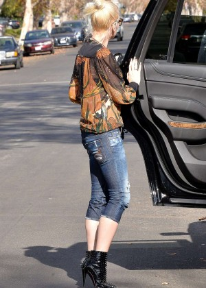 Gwen Stefani in Tight Jeans Out in Los Angeles