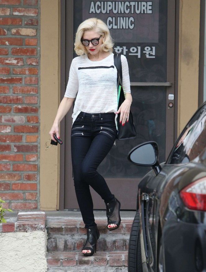 Gwen Stefani in Tight Pants at Acupuncture Clinic in LA