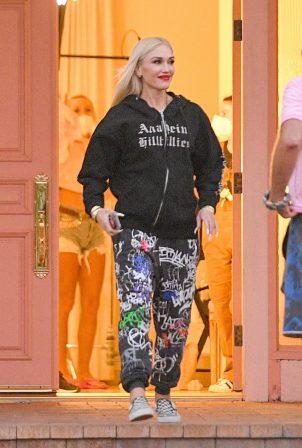 Gwen Stefani - Leaves a studio in Woodland Hills
