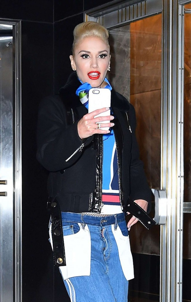 Gwen Stefani Leaves her hotel in New York