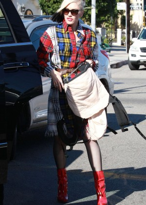 Gwen Stefani - Leaving a church in Los Angeles