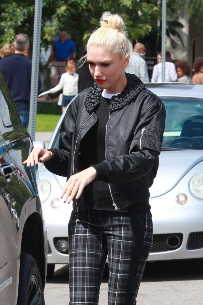 Gwen Stefani Leaving church in Studio City