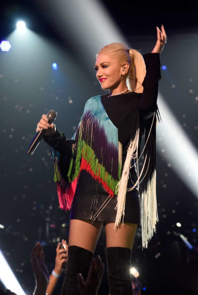 Gwen Stefani - 'One Voice: Somos Live! A Concert For Disaster Relief' in LA