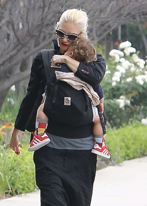Gwen Stefani - Out and about in Pasadena