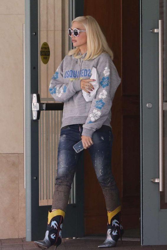 Gwen Stefani – Out in Beverly Hills-08