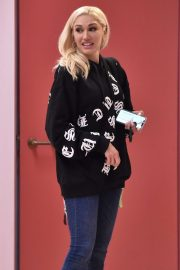 Gwen Stefani - Out in Beverly Hills