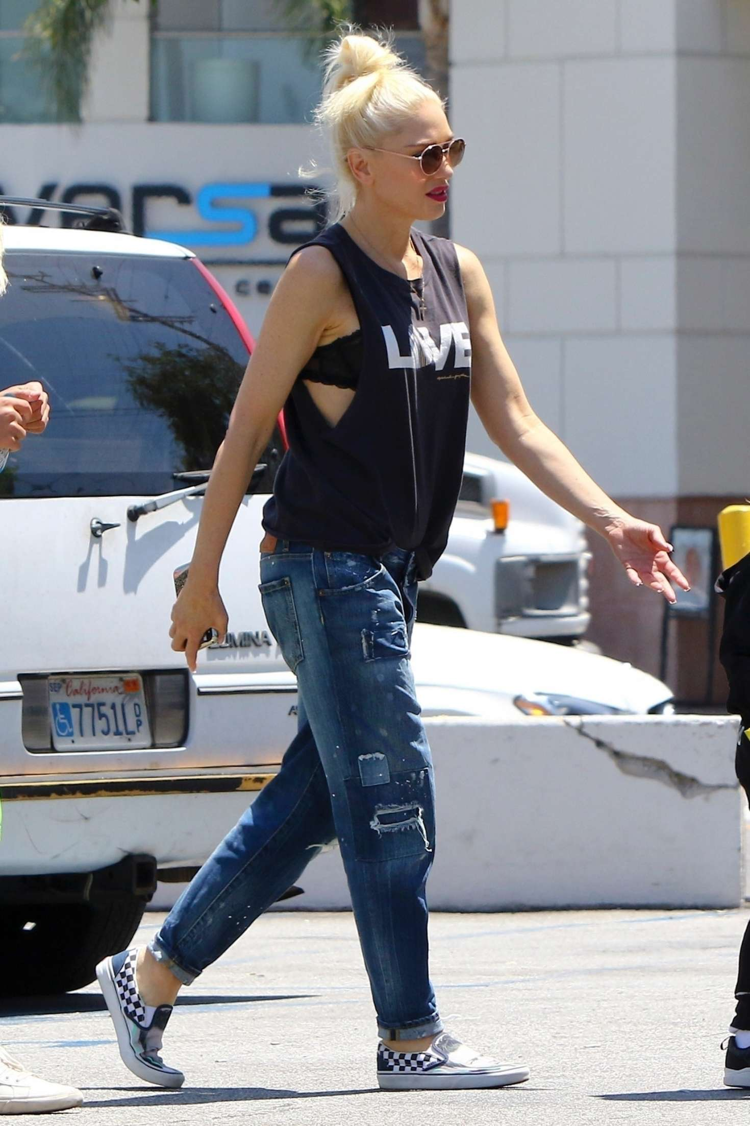 Gwen Stefani 2016 : Gwen Stefani out in Los Angeles -04