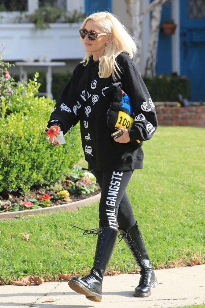 Gwen Stefani: Out in Los Angeles -01