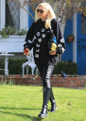 Gwen Stefani - Out in Los Angeles