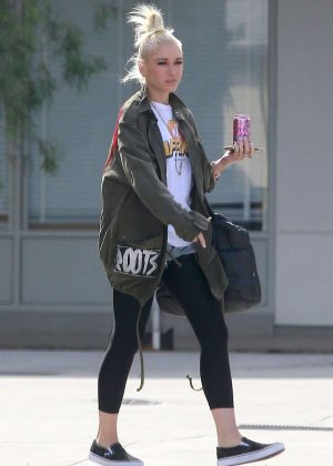 Gwen Stefani - Out in Santa Monica