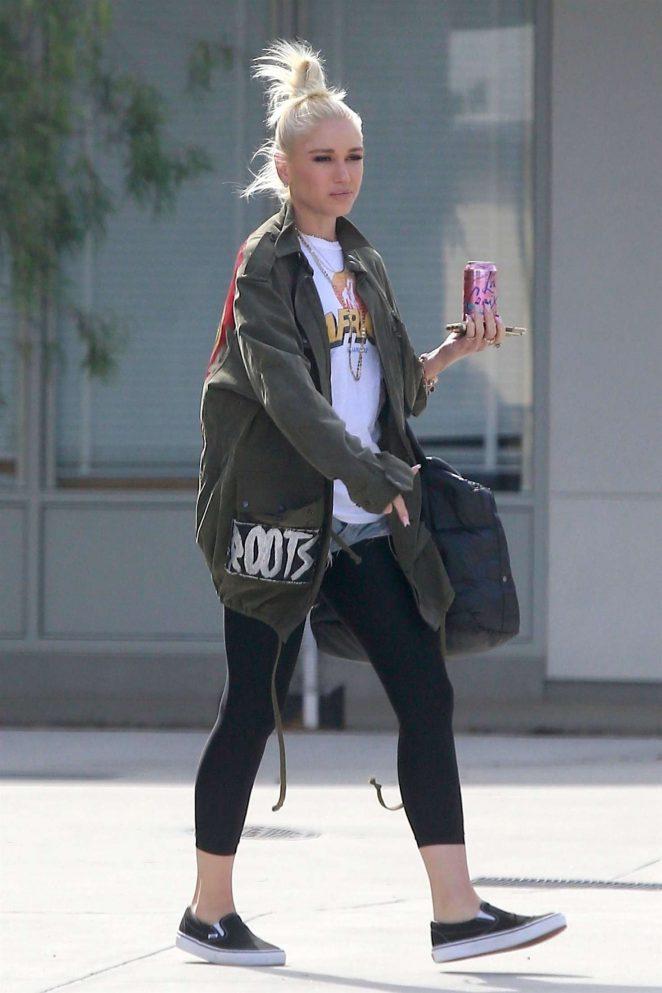 Gwen Stefani - Out in Santa Monica