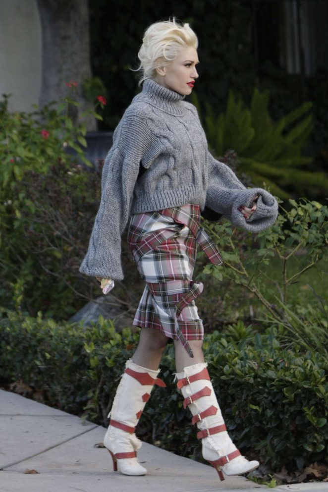 Gwen Stefani out on Christmas Eve in Los Angeles