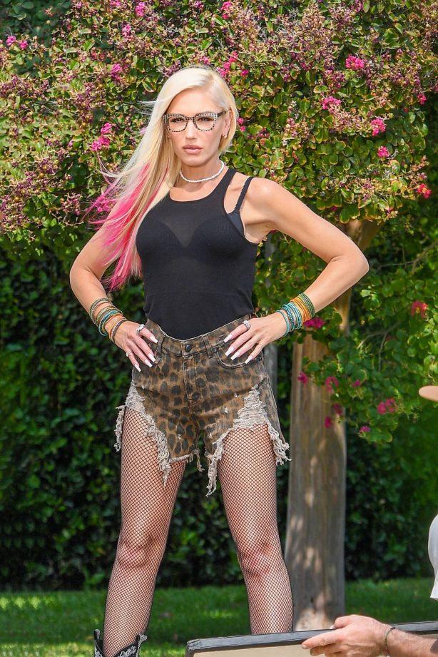 Gwen Stefani - poses for photoshoot in Calabasas