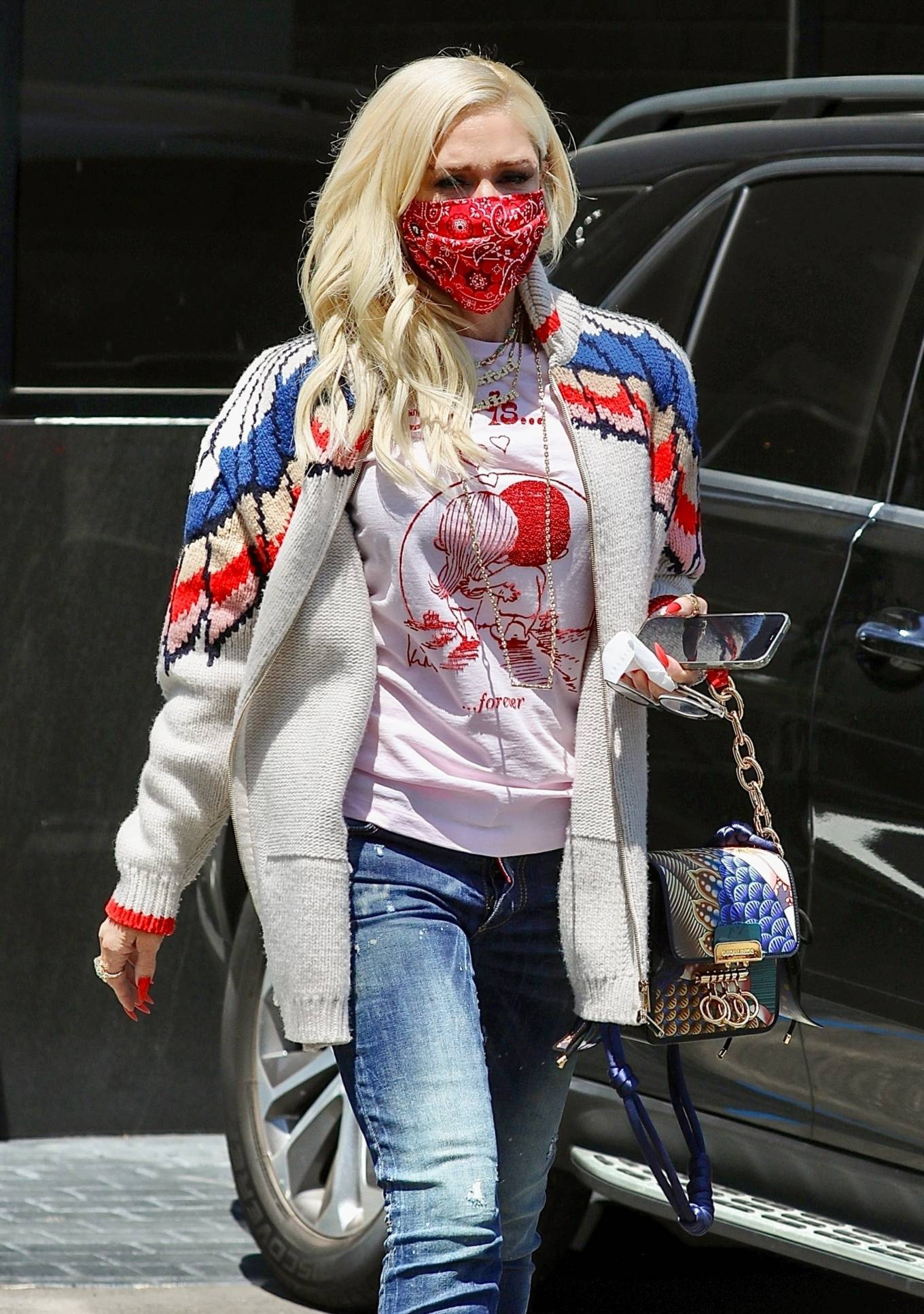 Gwen Stefani- Seen at XIV Karats Ltd store in Beverly Hills