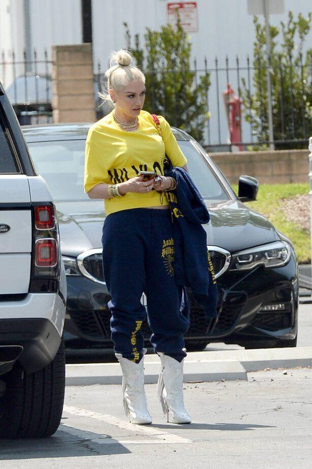 Gwen Stefani - Steps out in Los Angeles