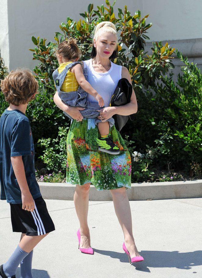 Gwen Stefani with children heading to church -08