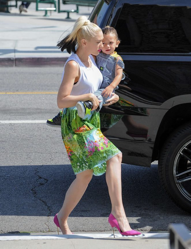 Gwen Stefani with children heading to church -10