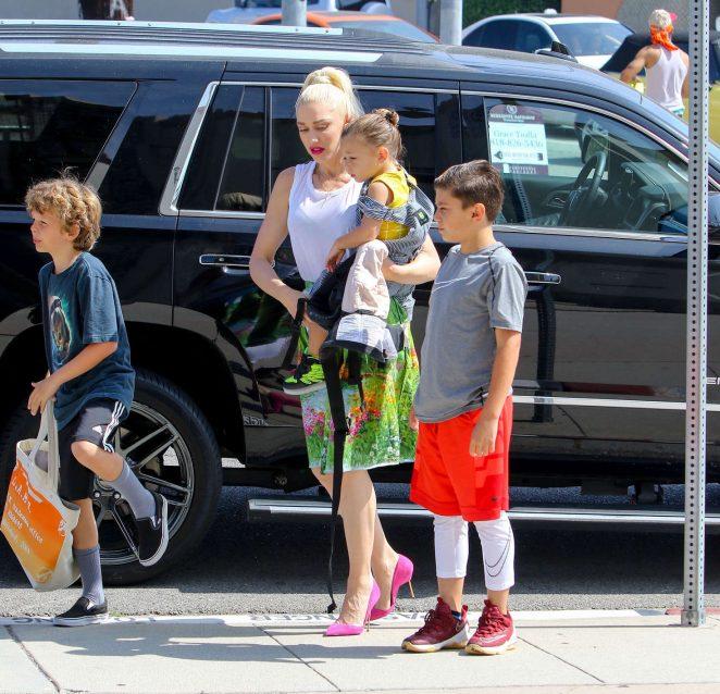 Gwen Stefani with children heading to church -12