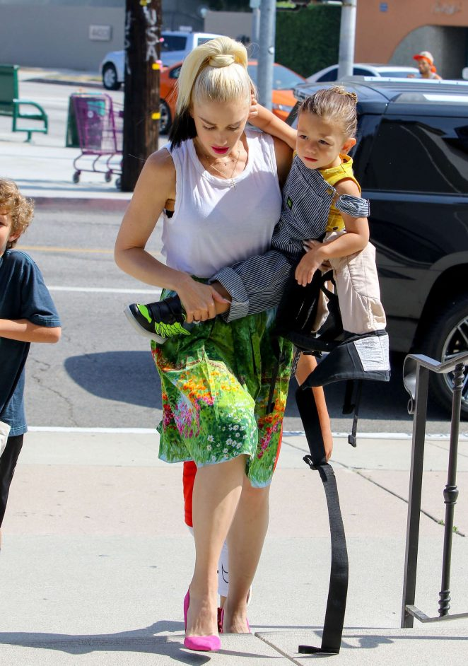 Gwen Stefani with children heading to church -18