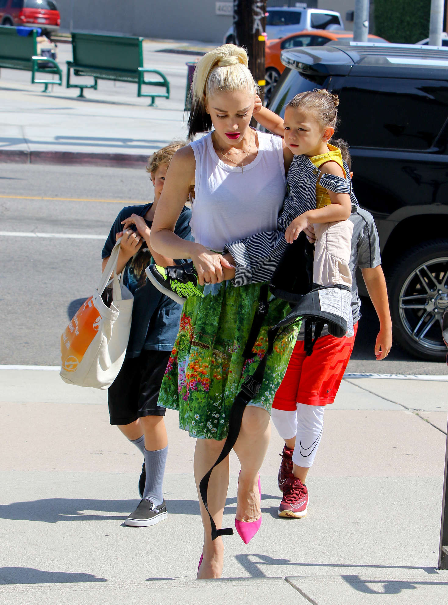 Gwen Stefani 2016 : Gwen Stefani with children heading to church -24