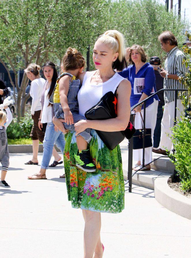 Gwen Stefani 2016 : Gwen Stefani with children heading to church -26