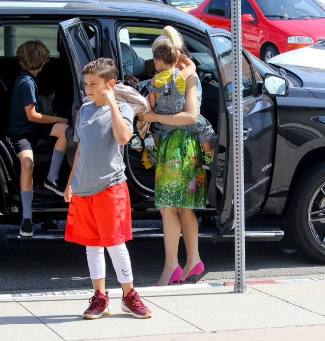 Gwen Stefani 2016 : Gwen Stefani with children heading to church -28