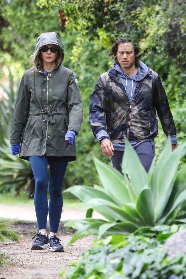 Gwyneth Paltrow and Brad Falchuk - Spotted while walk under the rain