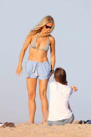 Gwyneth Paltrow and Dakota Johnson - Spotted in Hamptons