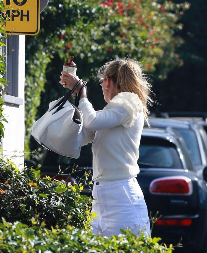 Gwyneth Paltrow - Arrives at her office in LA