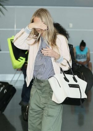Gwyneth Paltrow - Arrives at JFK airport in New York