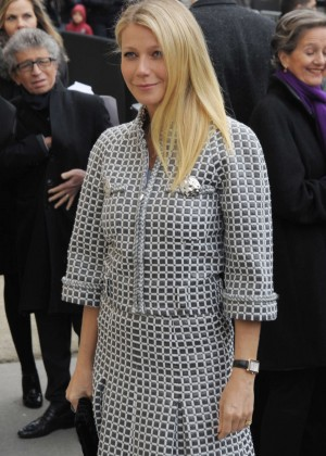 Gwyneth Paltrow - Arriving at Chanel Fashion Show 2016 in Paris