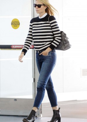 Gwyneth Paltrow in Tight Jeans at JFK airport in NYC