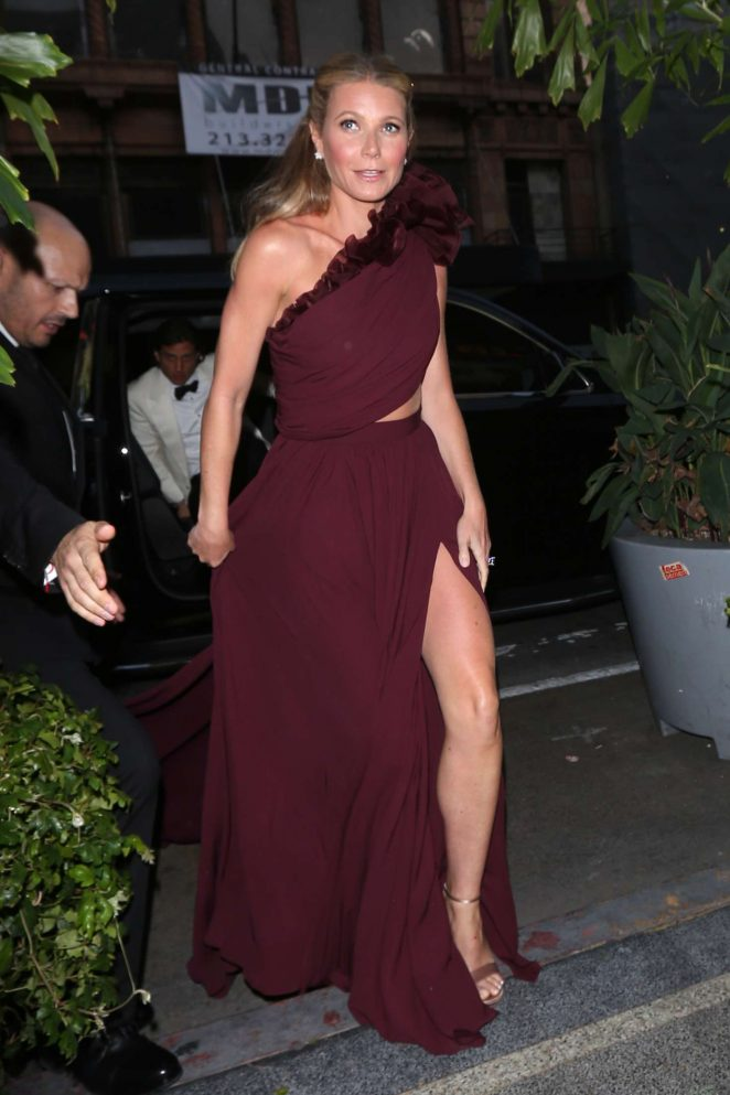 Gwyneth Paltrow - Arriving to her black tie event in Los Angeles