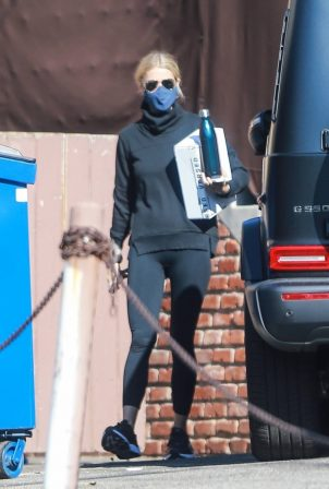 Gwyneth Paltrow - Exiting the gym in Santa Monica