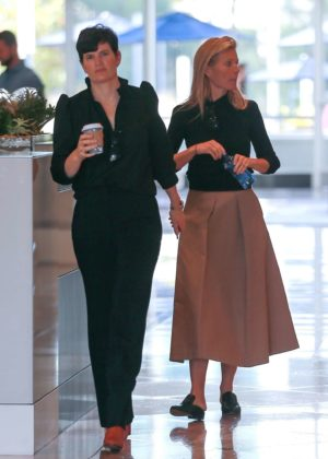 Gwyneth Paltrow - Heads to a meeting in Santa Monica