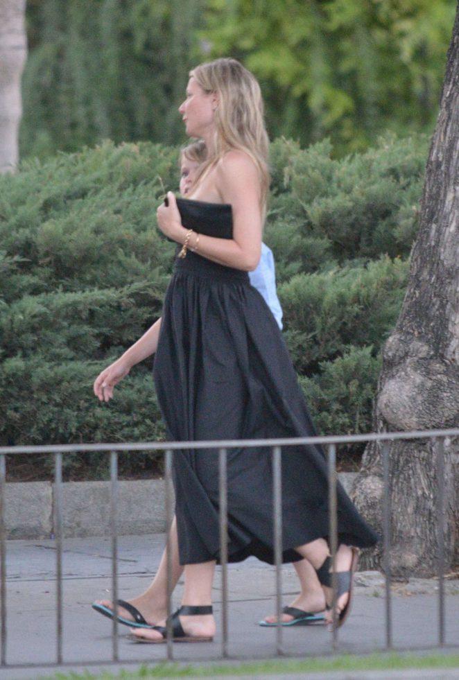 Gwyneth Paltrow in Black Long Dress -05