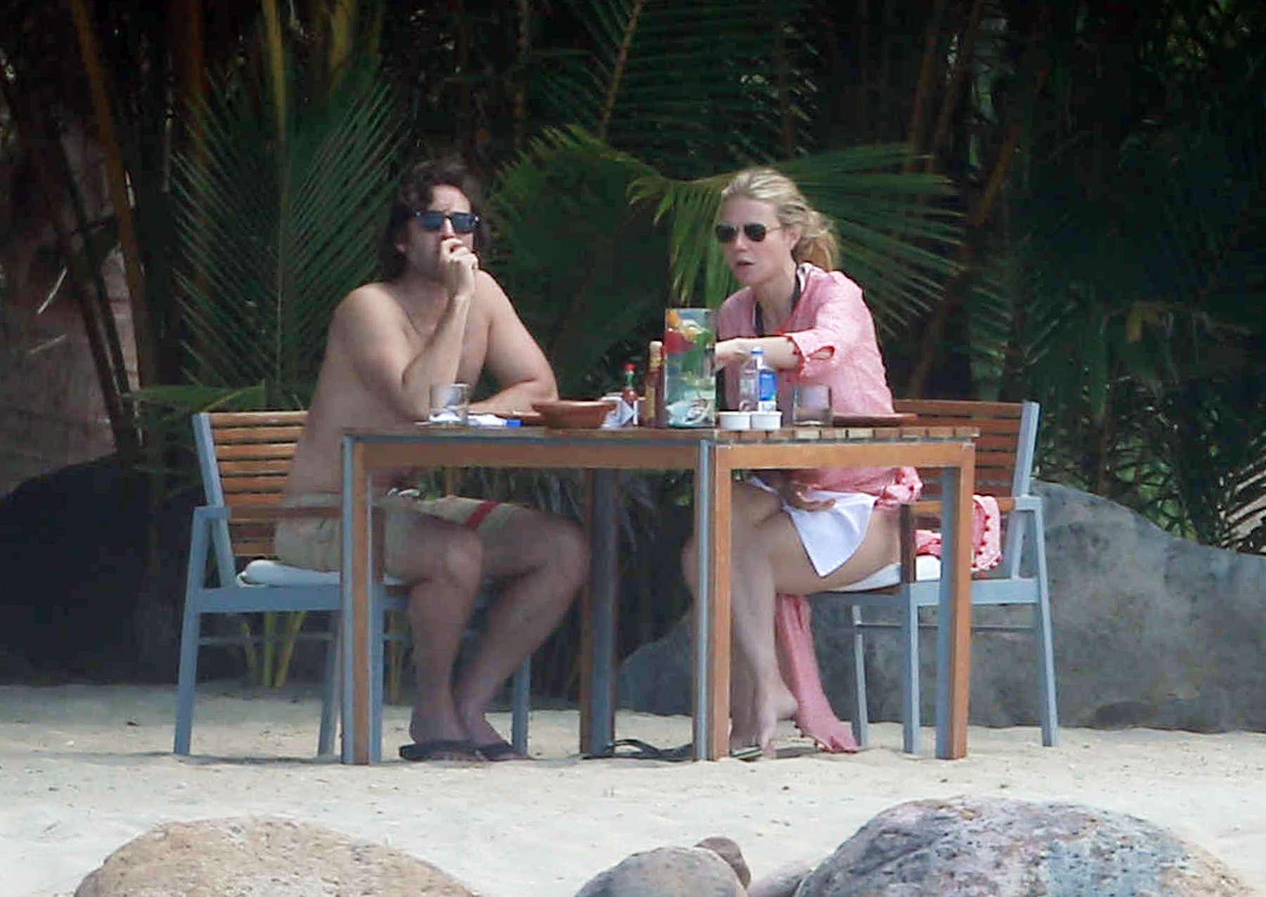 Gwyneth Paltrow 2016 : Gwyneth Paltrow in White Bikini -14