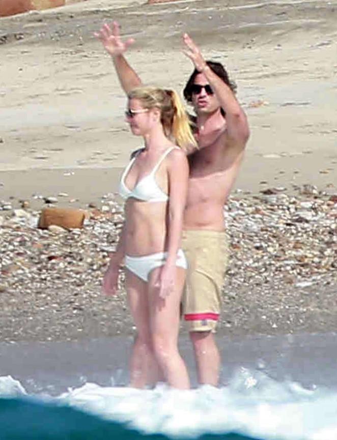 Gwyneth Paltrow 2016 : Gwyneth Paltrow in White Bikini -19
