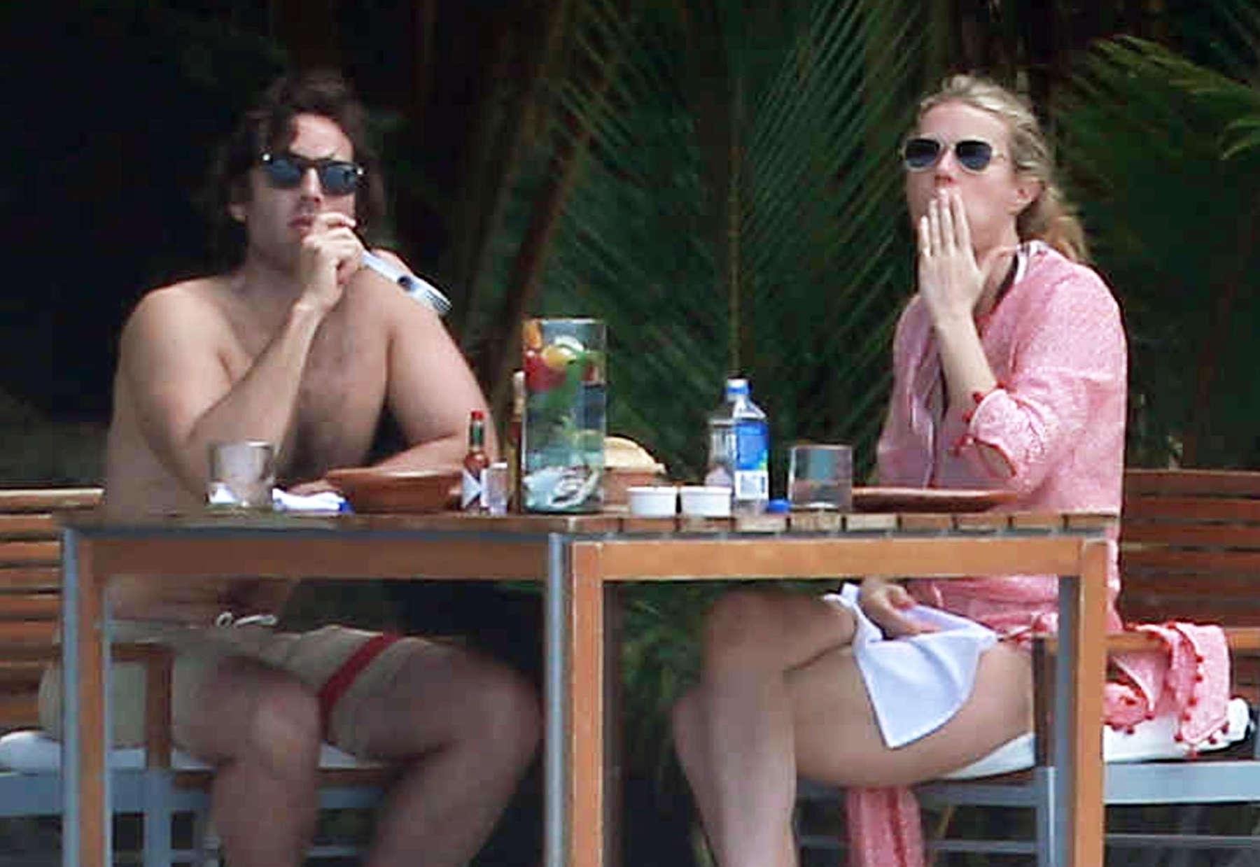 Gwyneth Paltrow 2016 : Gwyneth Paltrow in White Bikini -21