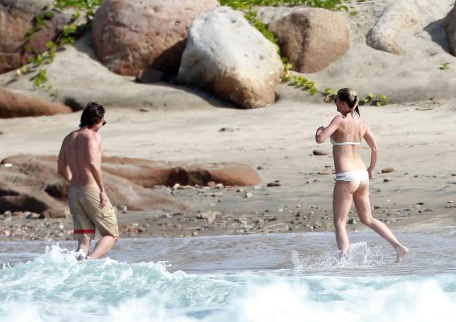 Gwyneth Paltrow 2016 : Gwyneth Paltrow in White Bikini -22