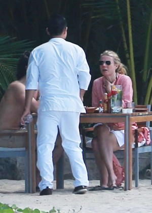 Gwyneth Paltrow in White Bikini -27