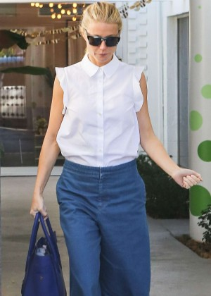 Gwyneth Paltrow - Leaves a salon in Beverly Hills