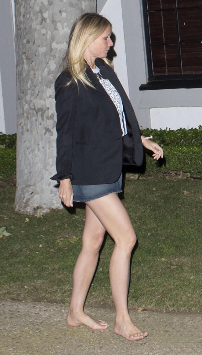 Gwyneth Paltrow In Jeans Mini Skirt 07 Gotceleb