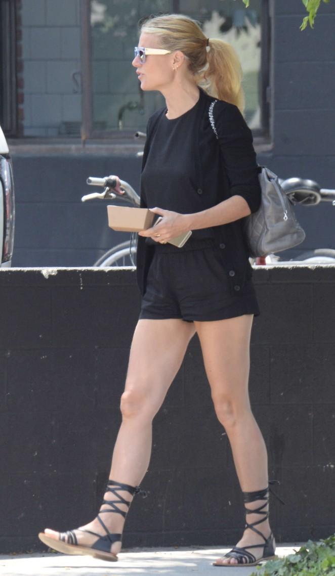 gwyneth-paltrow-ass-pics