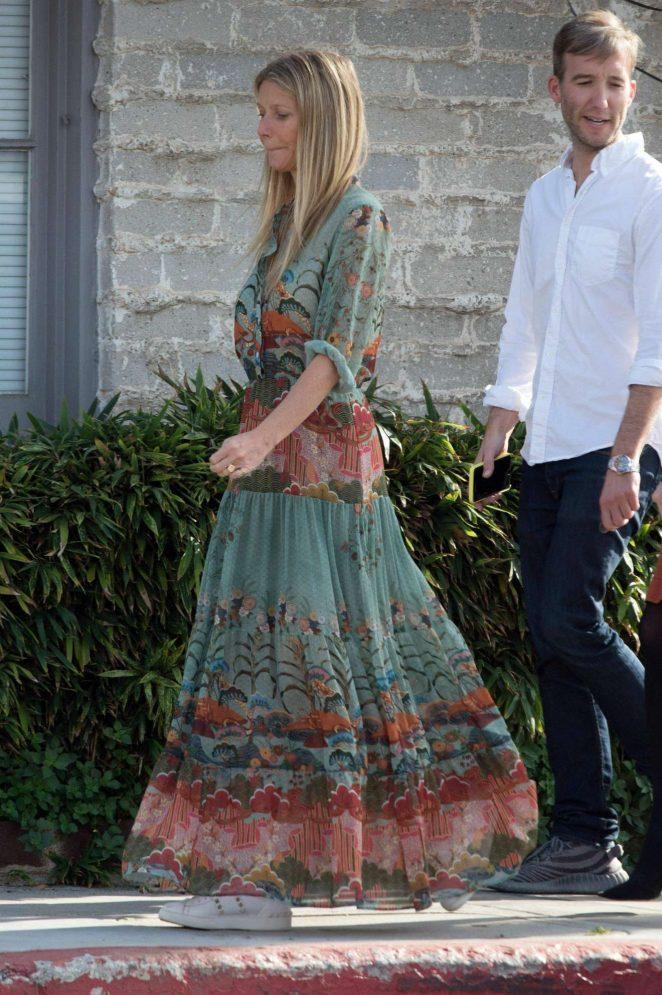 Gwyneth Paltrow - Out in Los Angeles