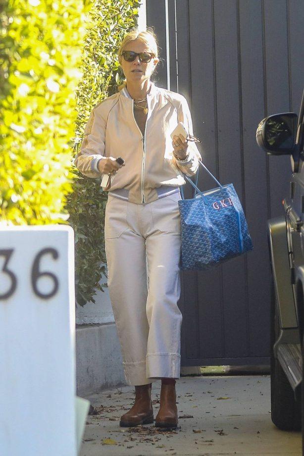 Gwyneth Paltrow - Seen after gym in Santa Monica